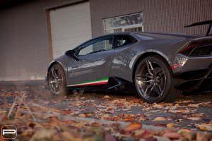 Серая Lamborghini Huracan Performante на дисках PUR RS22