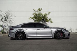 Porsche Panamera в широком обвесе TechArt GT