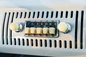 Ретро-радио Volkswagen Microbus Deluxe 1960 года