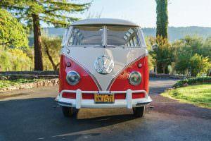Коллекционный Volkswagen Microbus Deluxe 1960 года