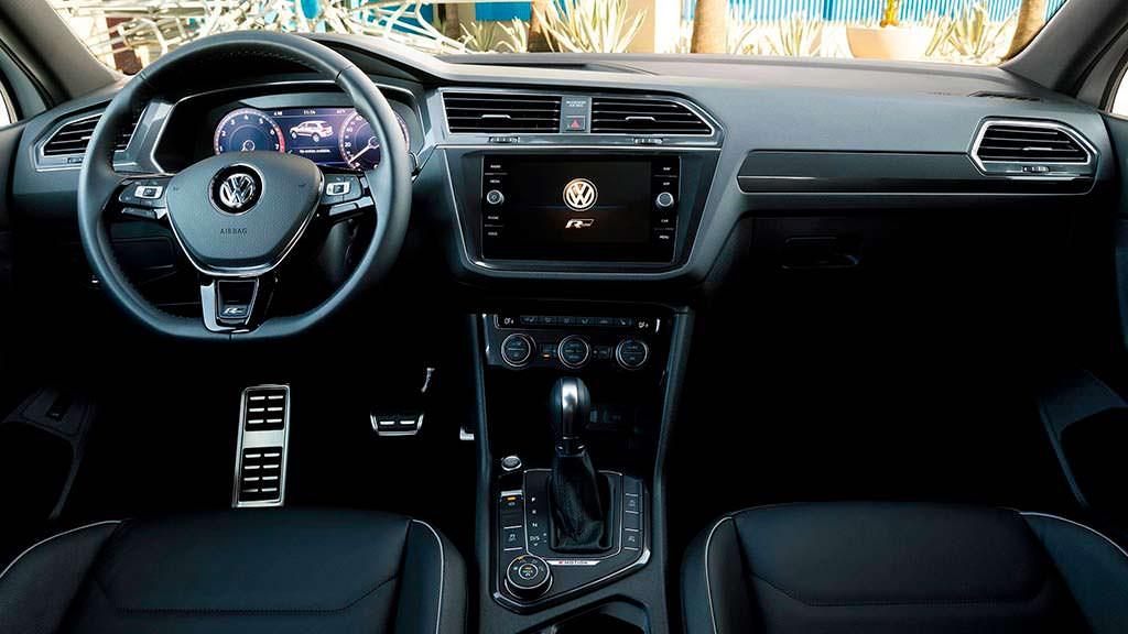 Фото салона Volkswagen Tiguan R-Line 2018