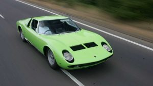 Первый суперкар в мире Lamborghini Miura