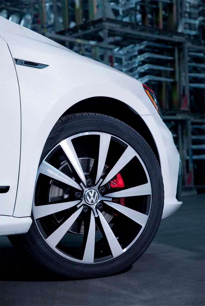 19-дюймовые колёса нового дизайна Volkswagen Passat GT 2018