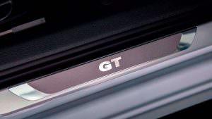 Накладки на пороги с надписью GT для Volkswagen Passat GT 2018