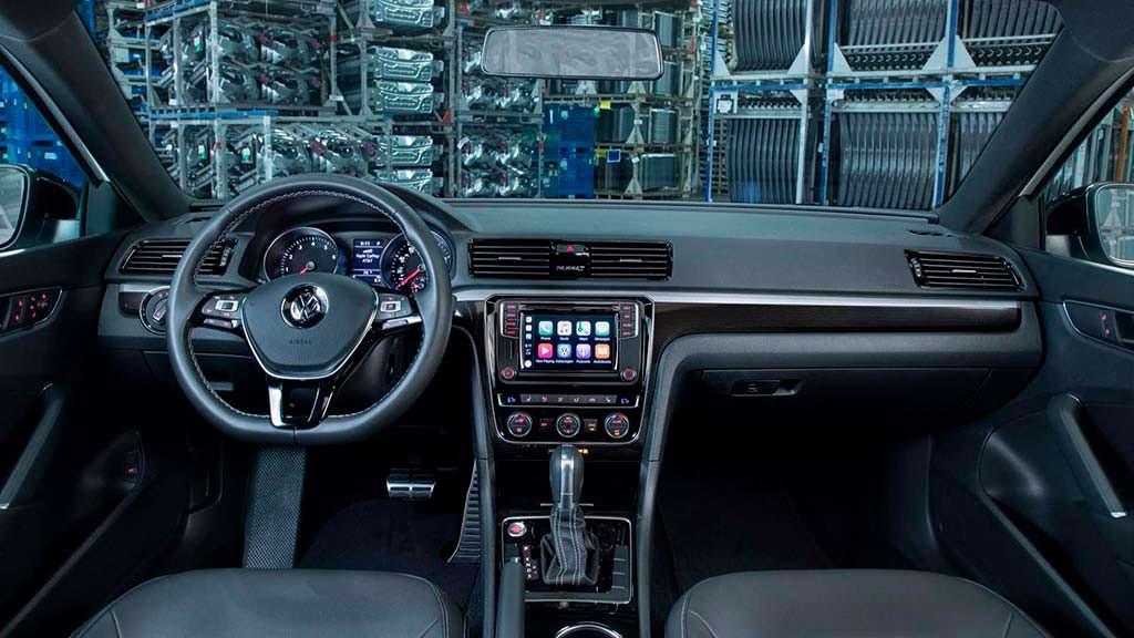 Фото салона Volkswagen Passat GT 2018
