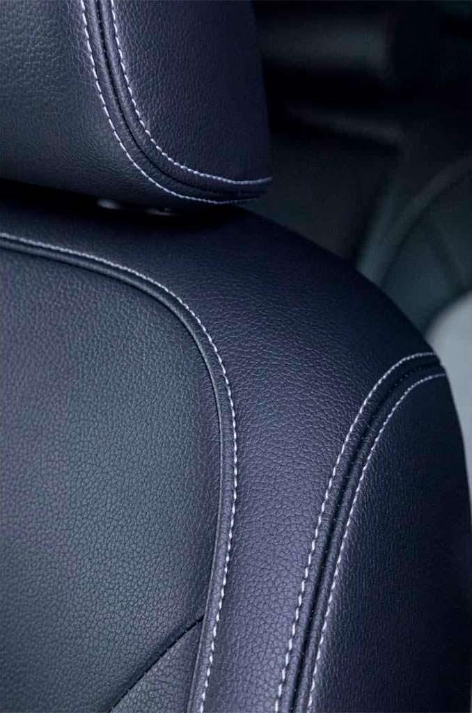 Сиденья с контрастной строчкой Volkswagen Passat GT 2018