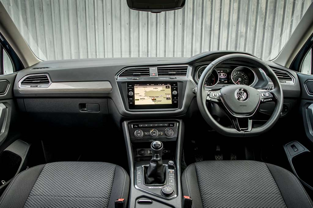 Праворульный Volkswagen Tiguan Allspace