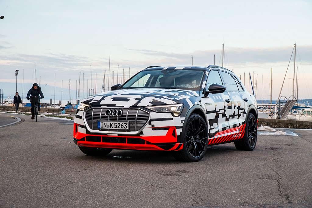 Новая Audi E-Tron 2018 года
