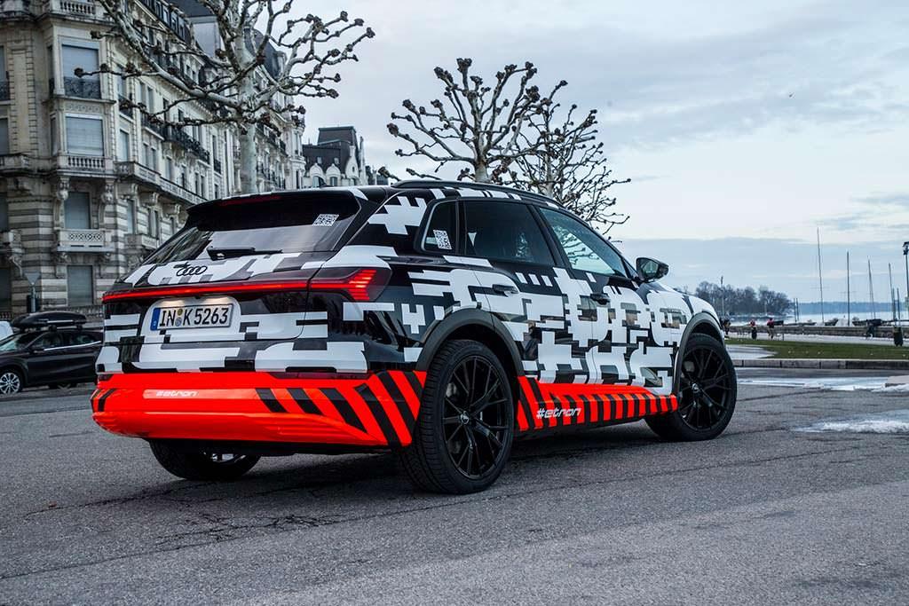 Электромобиль Audi E-Tron 2018 года