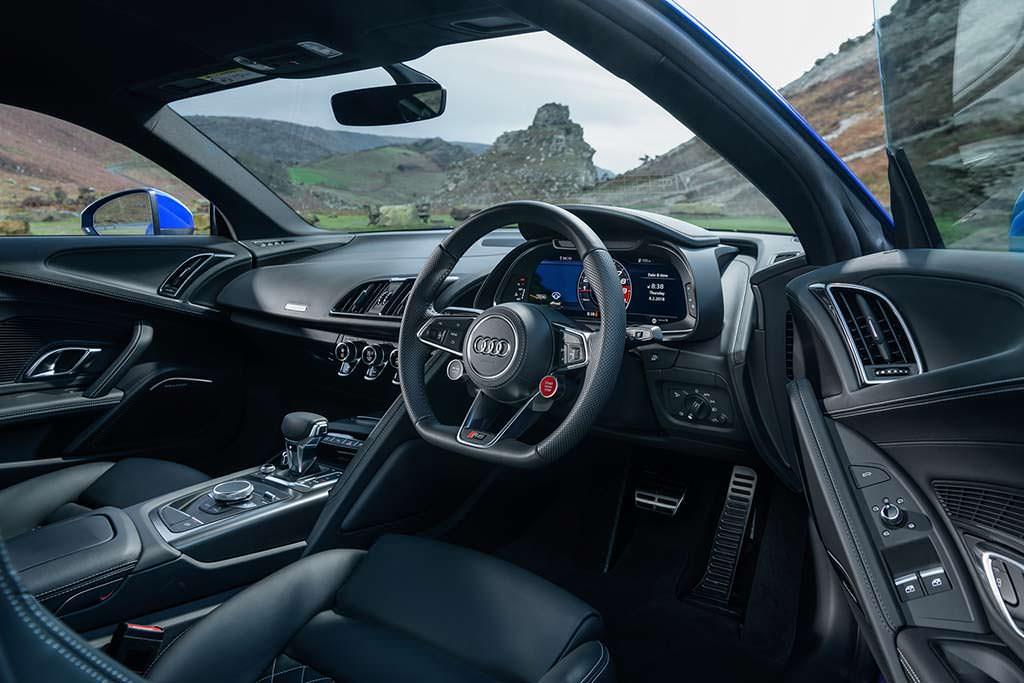Фото салона Audi R8 V10 RWS Limited Edition