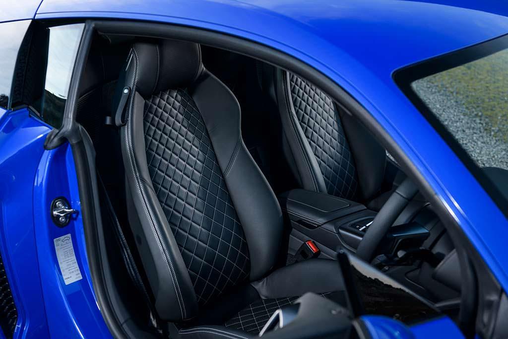 Кожаные сиденья с подогревом Audi R8 V10 RWS Limited Edition
