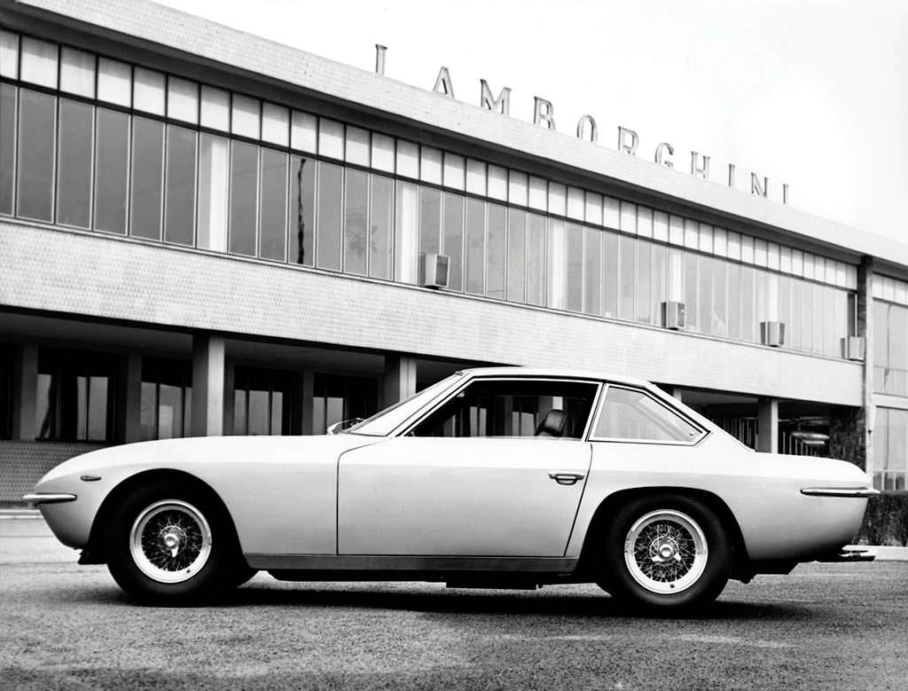 Lamborghini Islero. Произведено 225 единиц