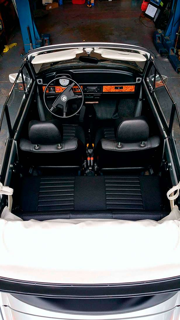Фото салона Volkswagen Beetle Cabriolet 1979 года выпуска