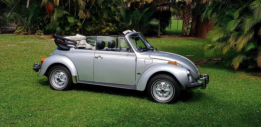 Ретро-кабриолет Volkswagen Beetle 1979 года выпуска