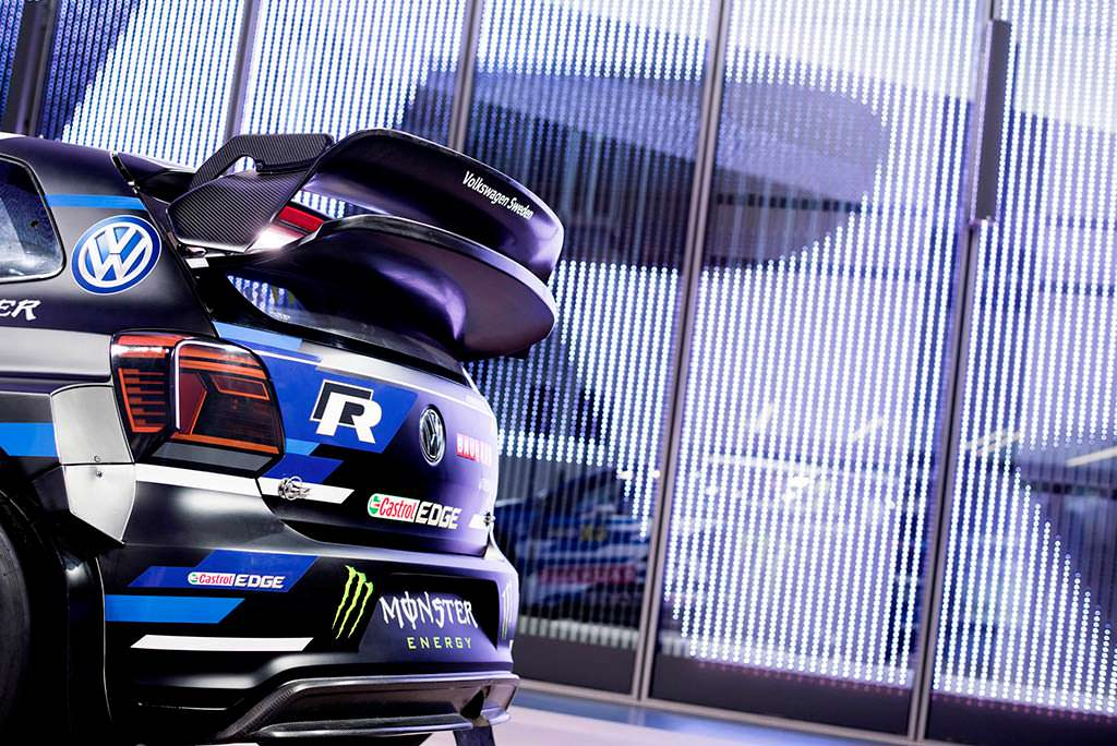 Массивное антикрыло Volkswagen Polo R Supercar