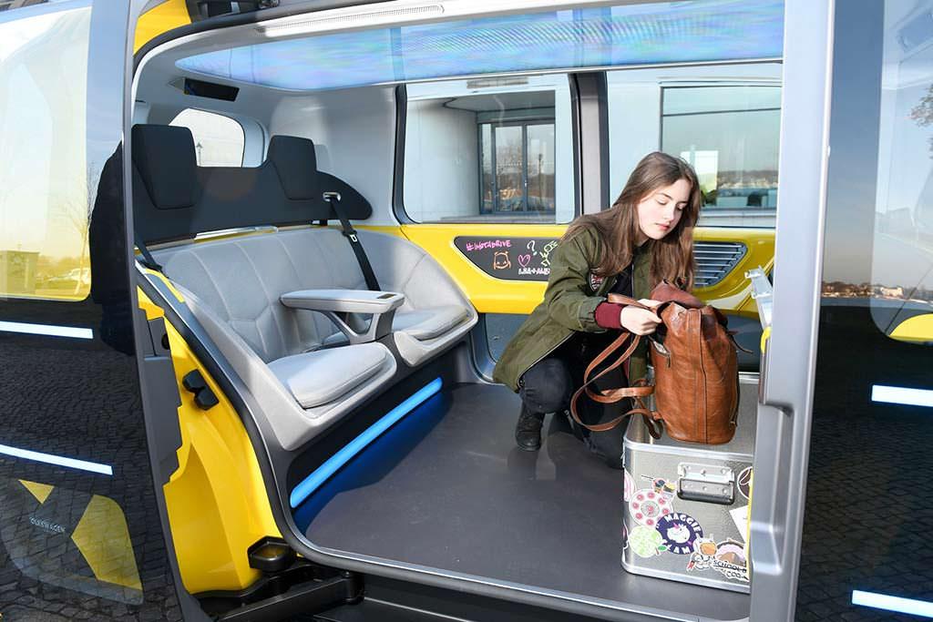 Фото салона Volkswagen Sedric School Bus Concept