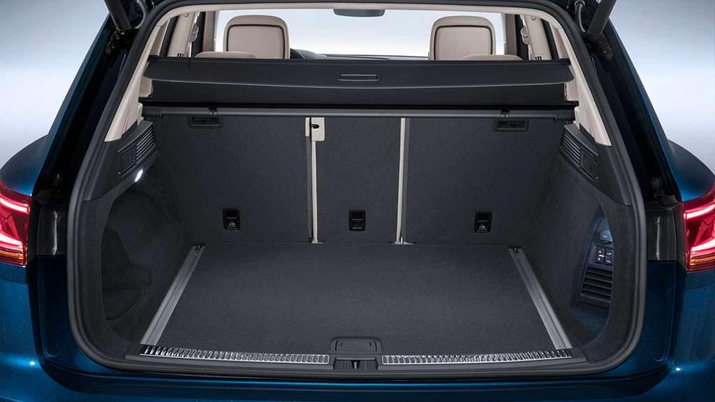 Багажник VW Touareg 2019: вместительность 810 литров