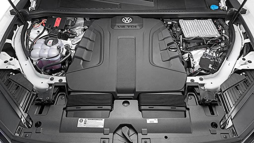 Двигатель V6 под капотом Volkswagen Touareg 2019
