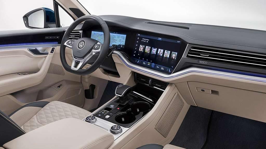 Интерьер VW Touareg 2019