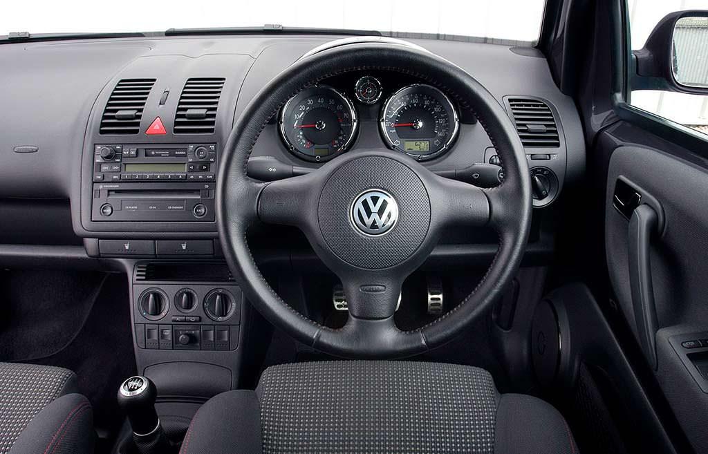 Фото салона Volkswagen Lupo GTI