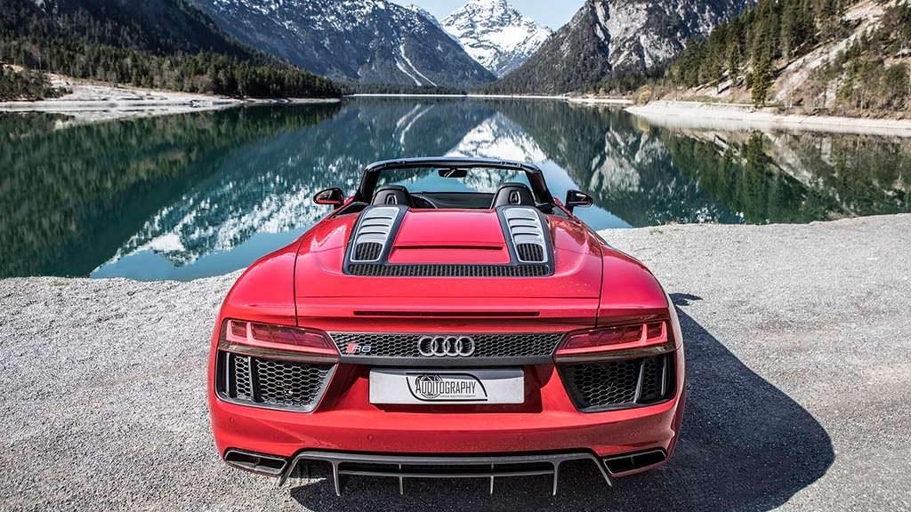 Родстер Audi R8 Spyder V10 RWS в Альпах