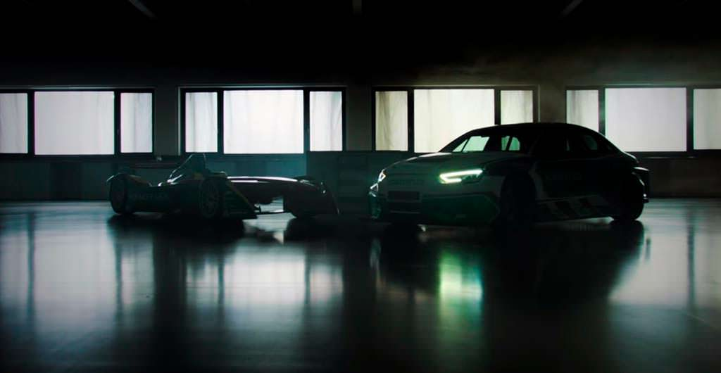 Болид ABT Schaeffler FE01 и Audi Schaeffler 4ePerformance