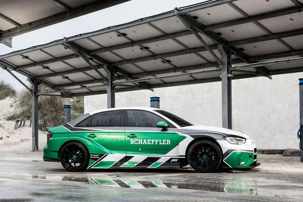 Гоночный электромобиль Audi Schaeffler 4ePerformance