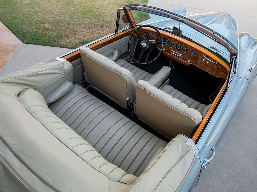 Фото салона Bentley S1 Continental Drophead Coupe