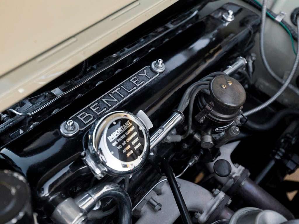 Bentley S1 Continental Drophead Coupe. Двигатель V6 4.9 литра