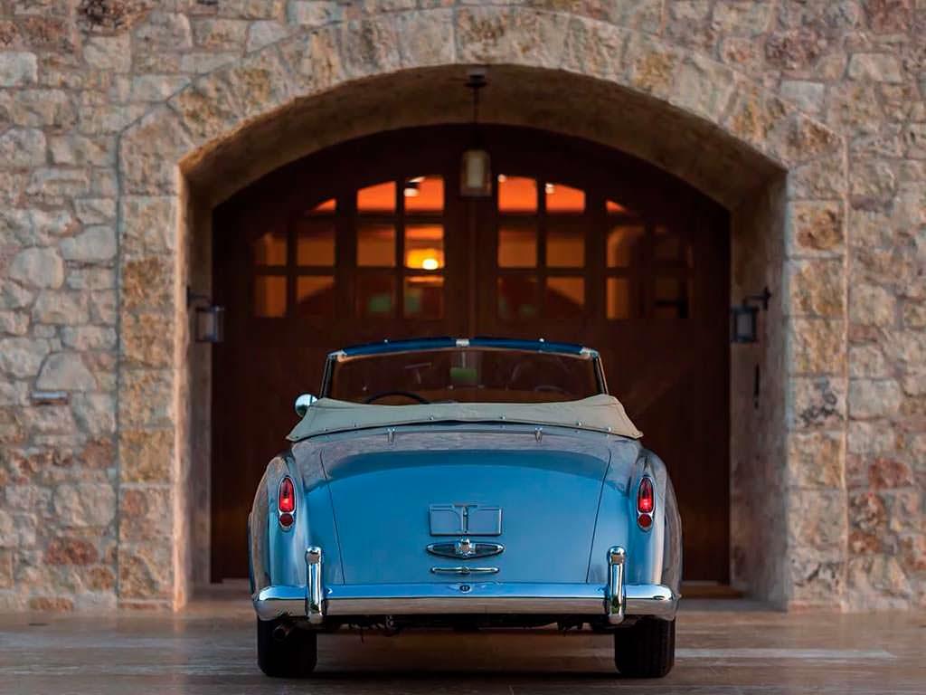 Кабриолет Bentley S1 Continental Drophead Coupe 1956 года
