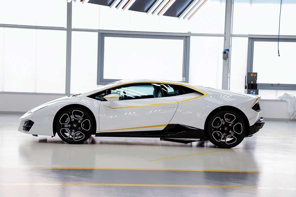 Суперкар Папы Франциска Lamborghini Huracan LP580-2