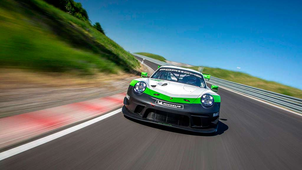 Porsche 911 GT3 R 2019. Мощность 542 л.с.