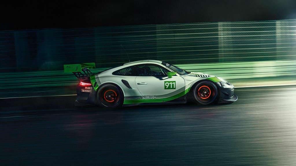 Гоночный Porsche 911 GT3 R 2019