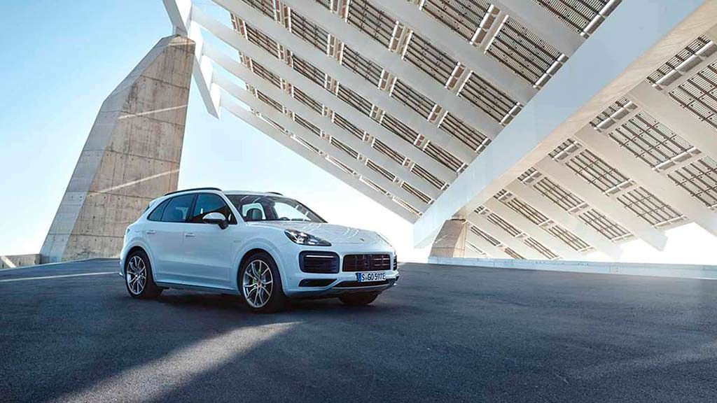 Новый Porsche Cayenne E-Hybrid 2019
