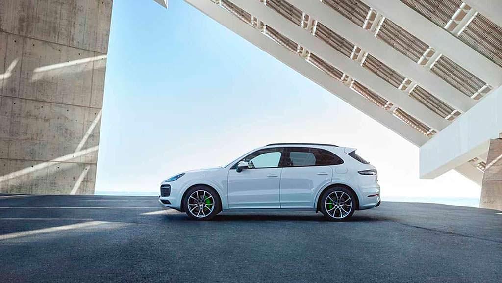 Porsche Cayenne E-Hybrid нового поколения