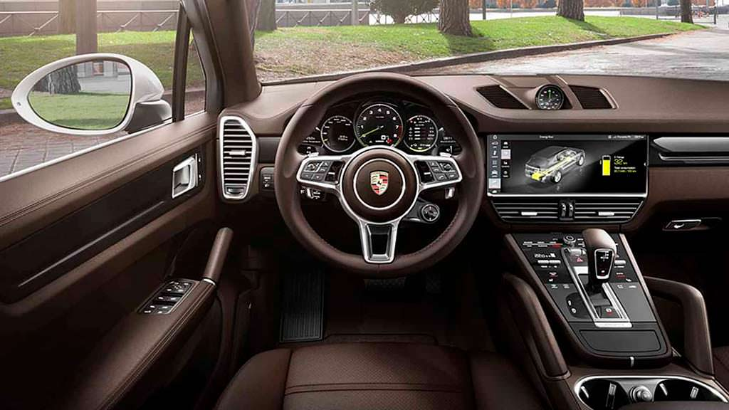 Салон Porsche Cayenne E-Hybrid 2019