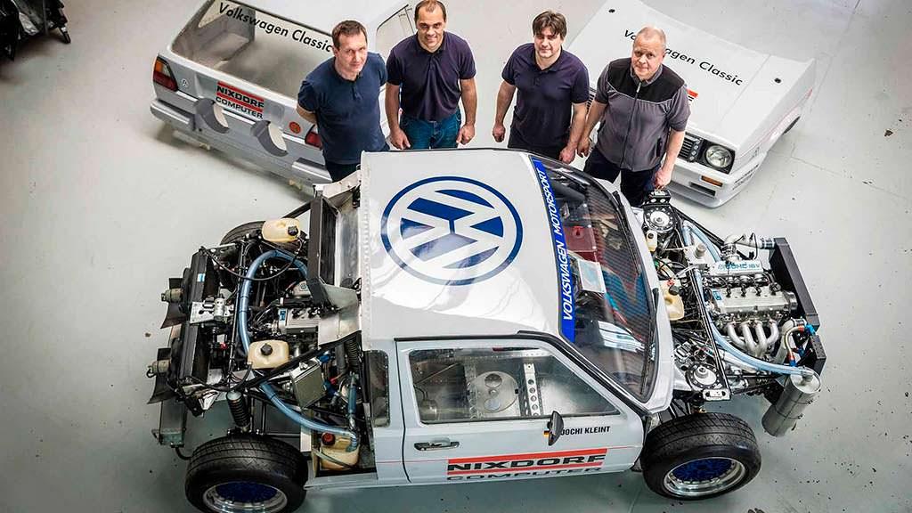 Отреставрированный Volkswagen Golf с двумя двигателями