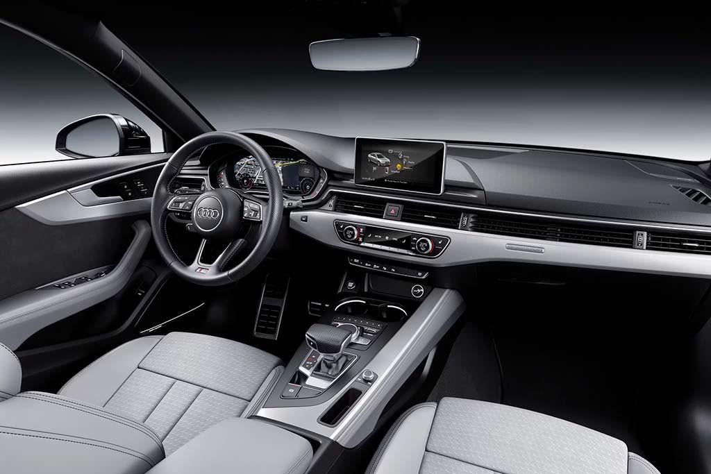 Салон Audi A4