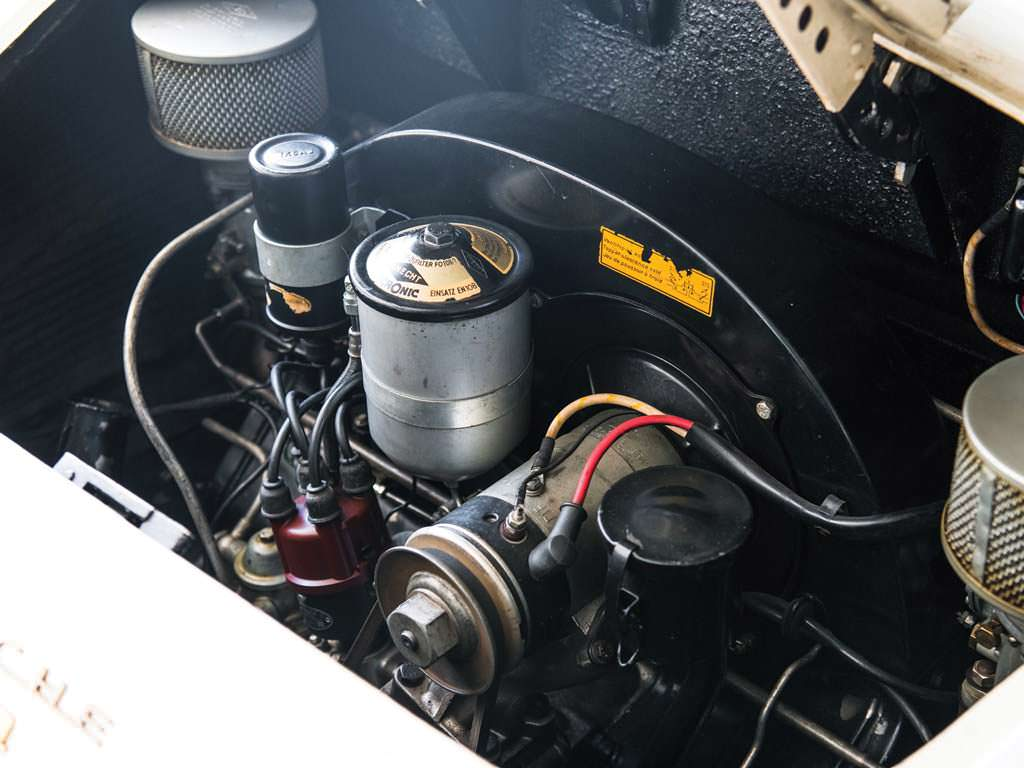 4-х цилиндровый двигатель 1,6-л Porsche 356 A 1600 Speedster