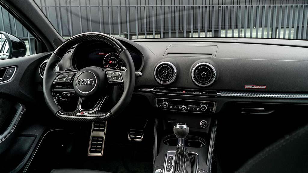 Фото салона Audi RS3 Sedan. Тюнинг от ABT Sportsline