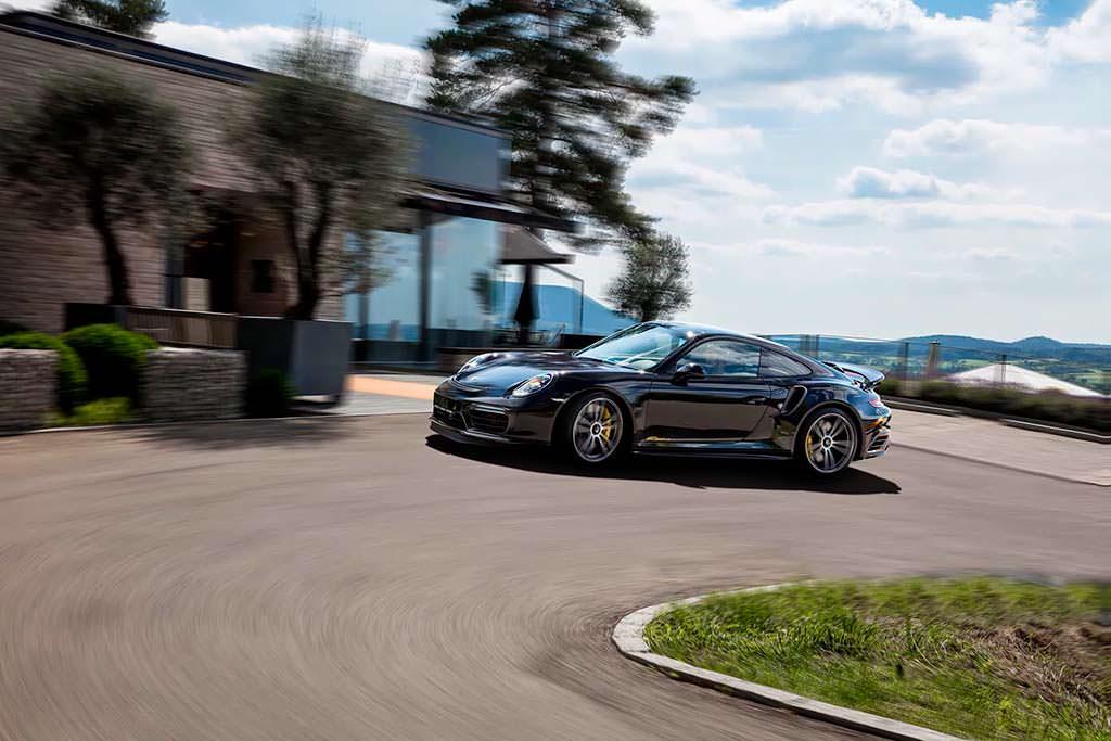 Porsche 911 Turbo S GTsport. Максимальная скорость 338 км/ч