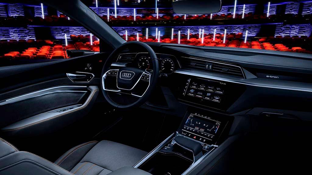 Фото салона Audi E-Tron