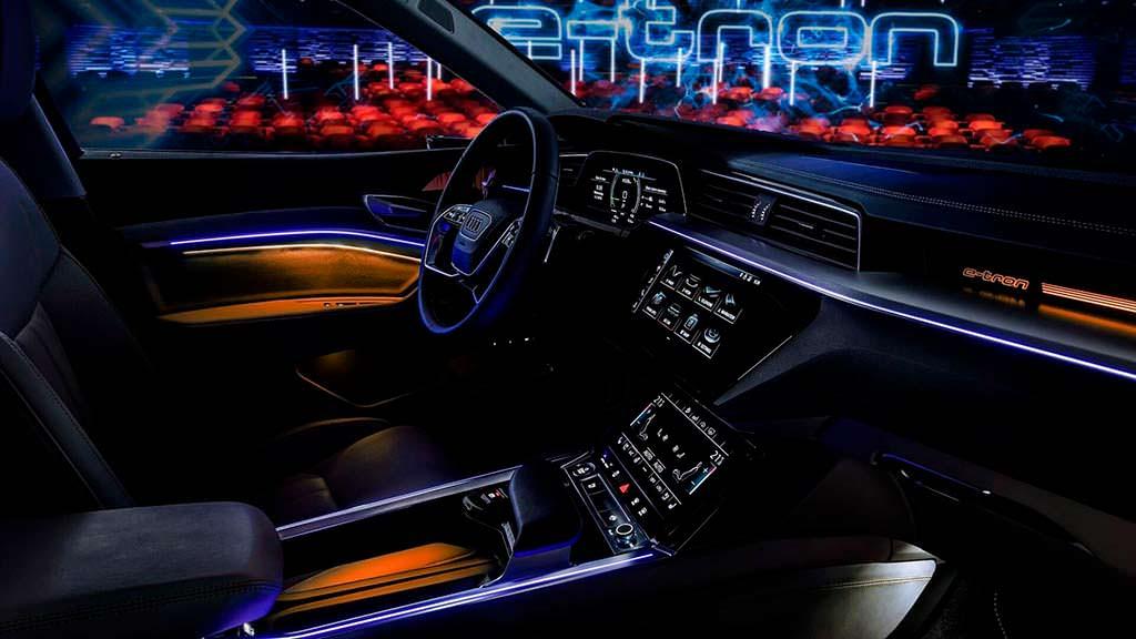 Интерьер электромобиля Audi E-Tron