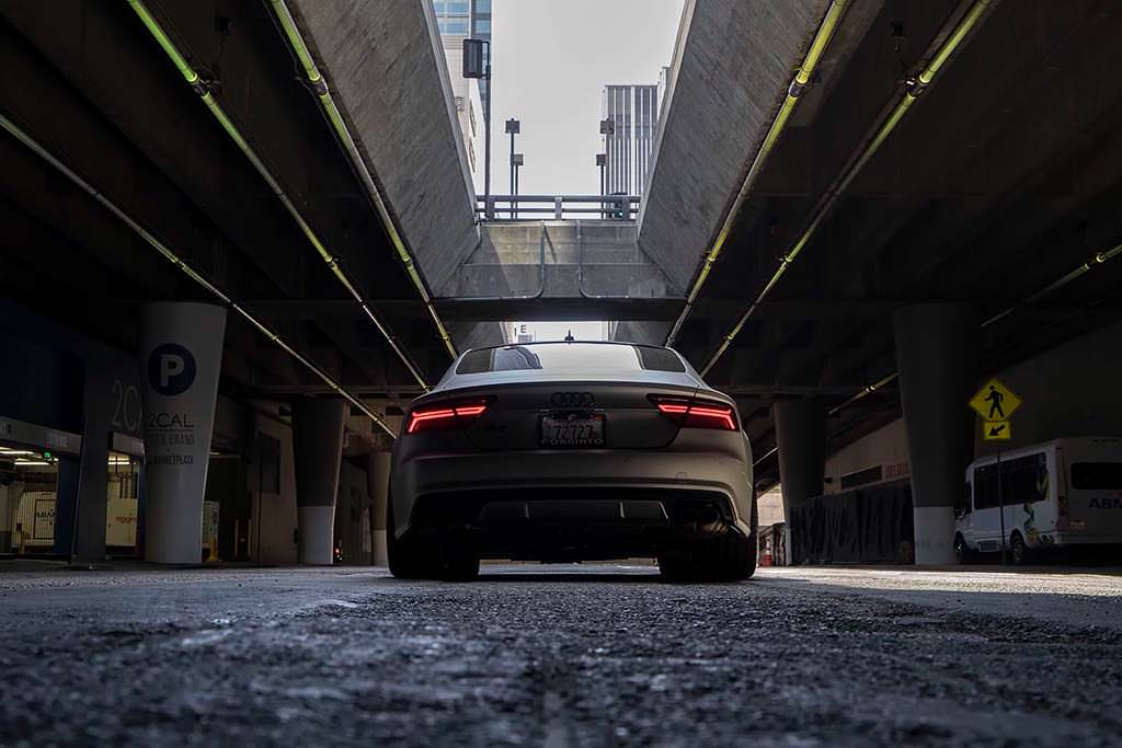 Старая Audi S7 на колесах Forgiato Tec 3.8