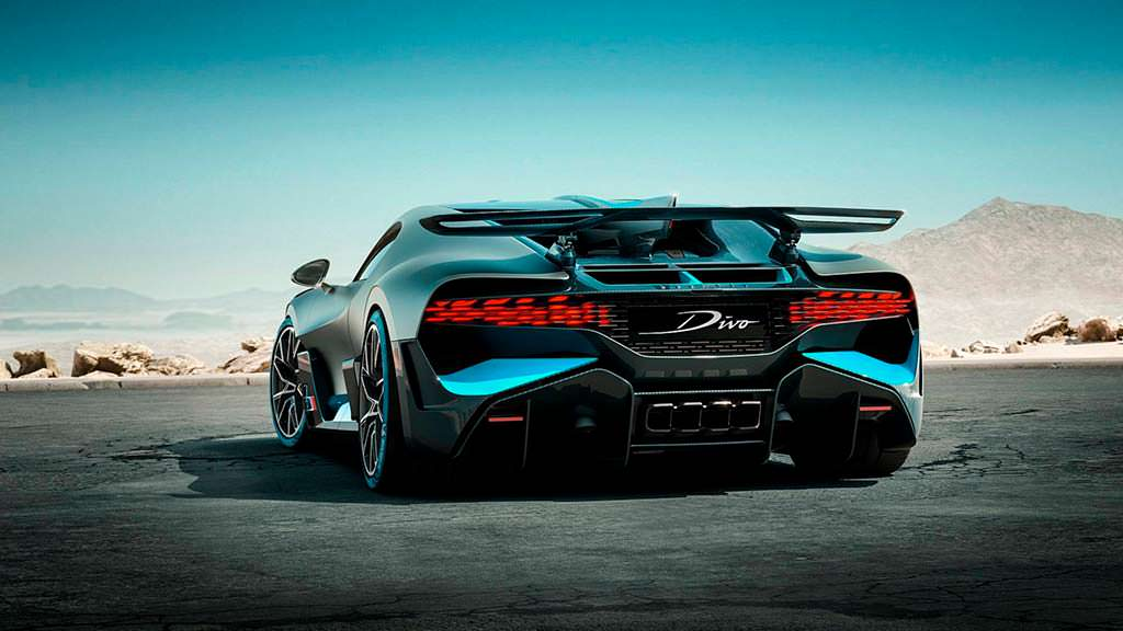 Ограниченный гиперкар Bugatti Divo
