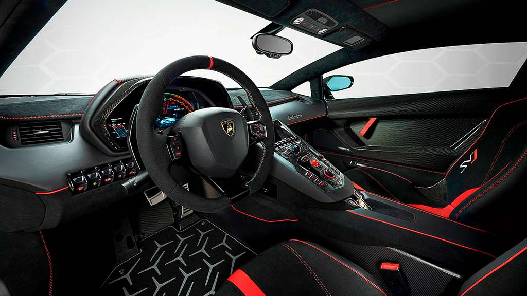 Фото внутри Lamborghini Aventador SVJ
