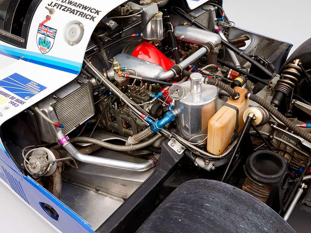 Двигатель гоночного Porsche 956