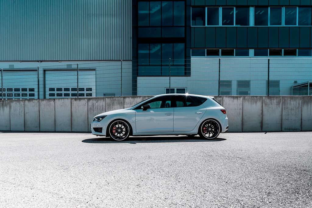 Спортивный SEAT Leon Cupra от ABT