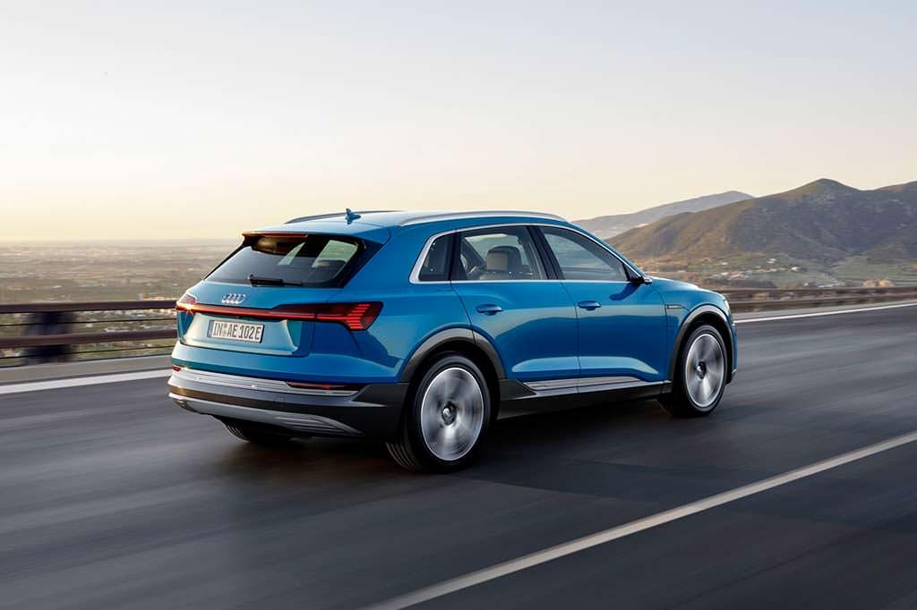 Серийная Audi e-tron