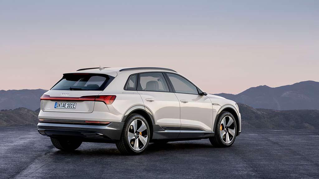 Audi e-tron Siam beige